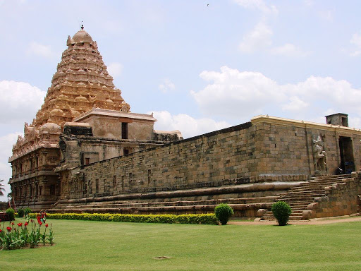 Full view of the temple, as of Periya Koil